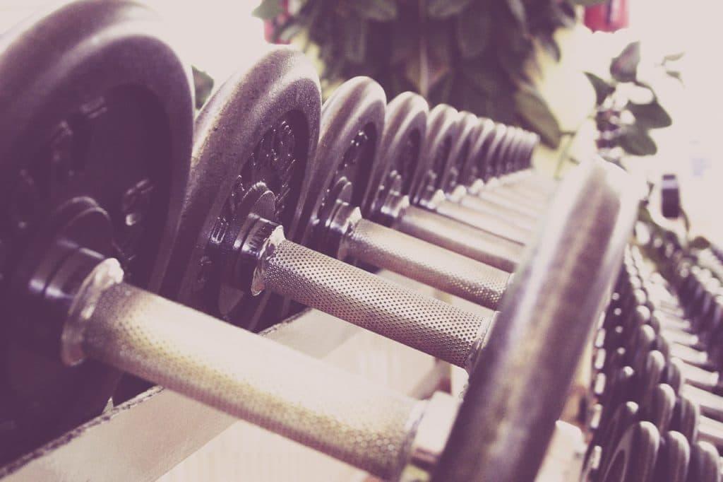 Muskelaufbau mit Hanteln - 5 Grundübungen reichen
