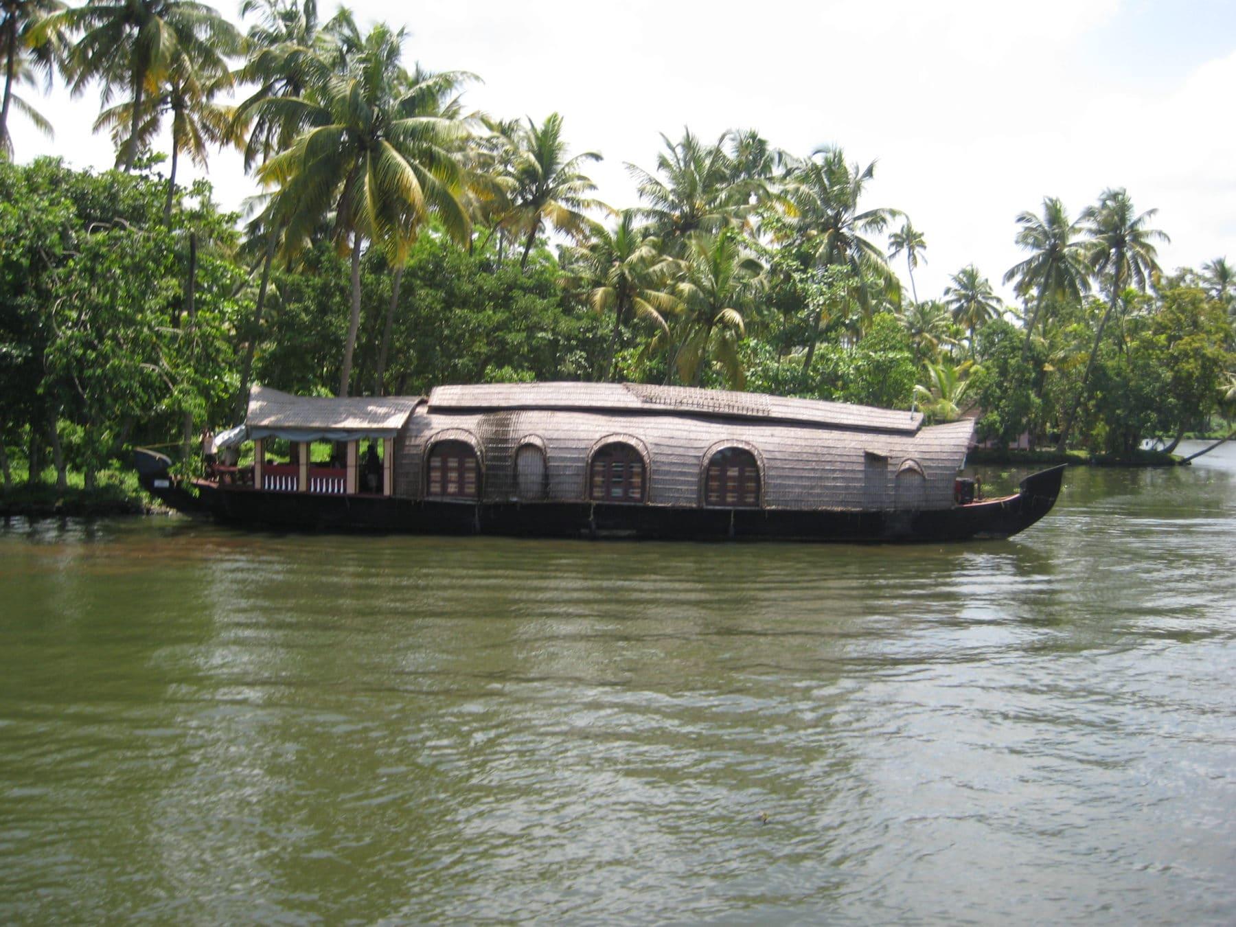 Hausboot in Lagune