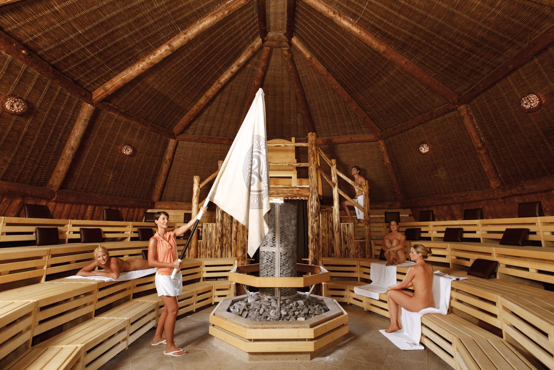 Kelten-Thron-Sauna in der VitalTherme
