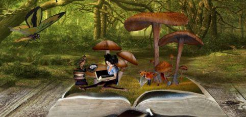 Ein Mädchen liegt in einer Märchenwelt auf einem großen Buch zwischen Füchsen und Riesenpilzen