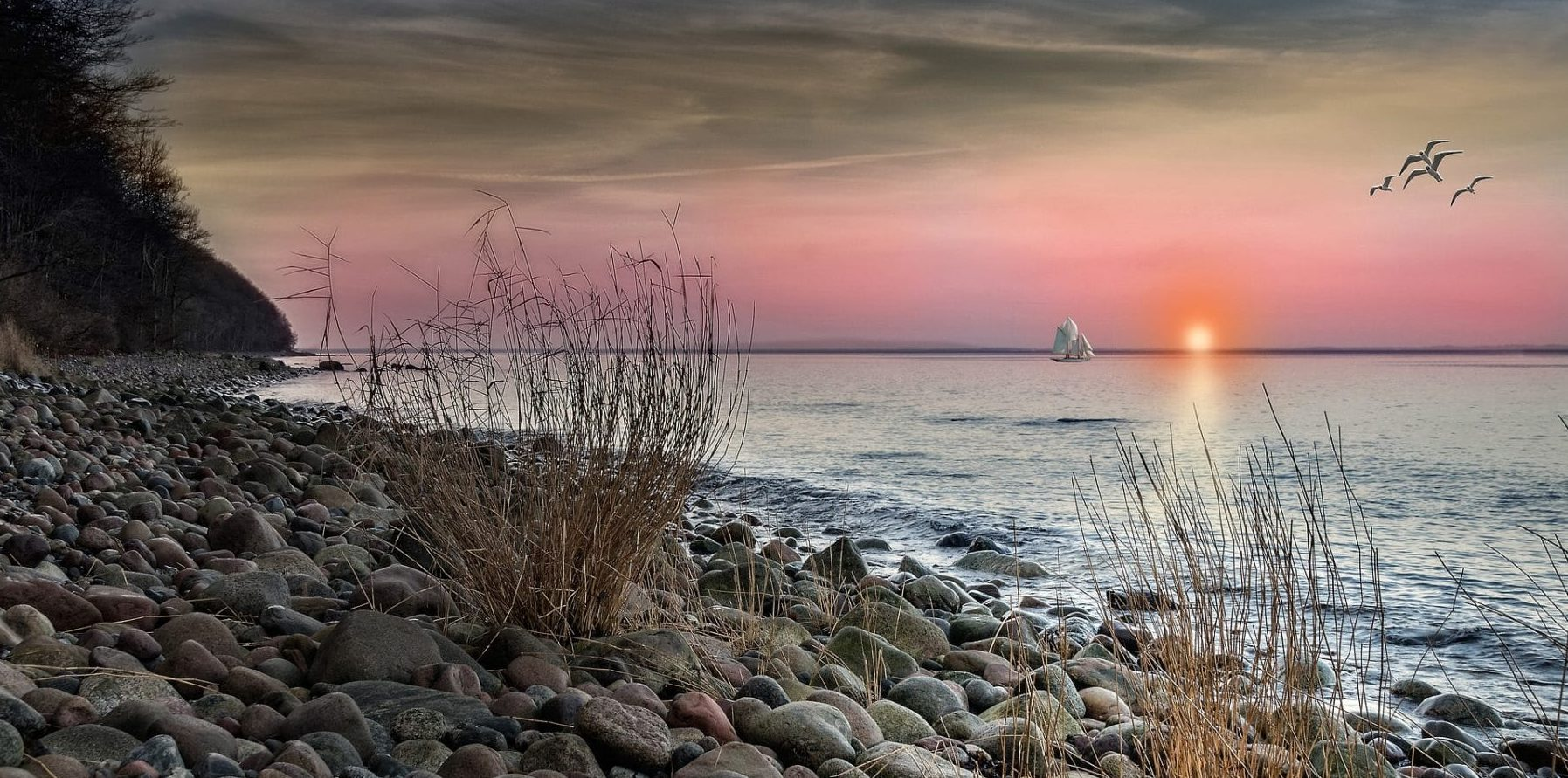 Herrlicher Sonnenuntergang am Strand
