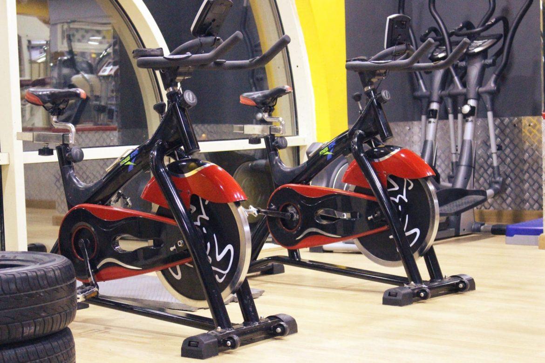 Fahrräder im Fitnessstudio