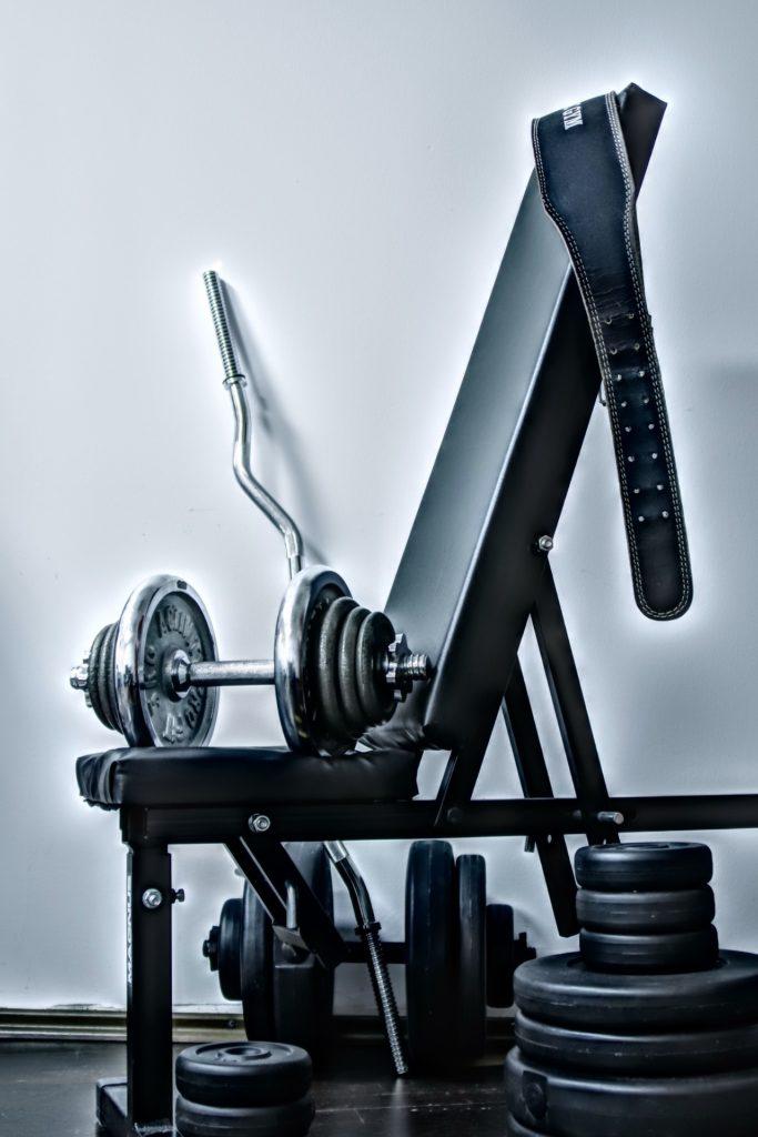 Fitnessraum für Zuhause: Diese 10 Geräte musst Du haben.