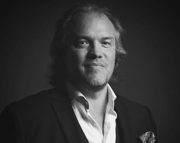Dirk Römer von Bond of Responsibility