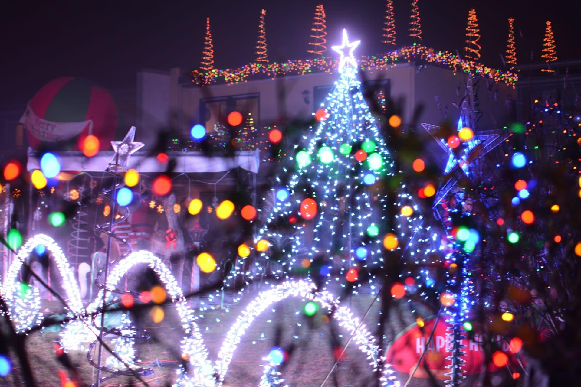 Bunte Weihnachtsbeleuchtung