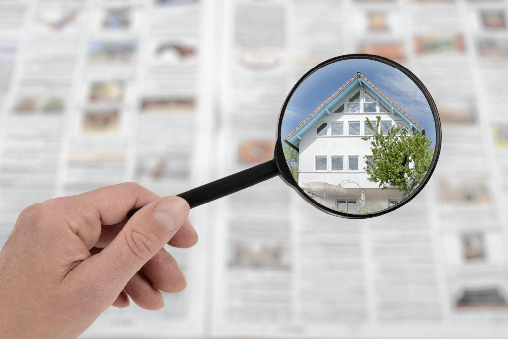 Wohnung suchen in der Zeitung